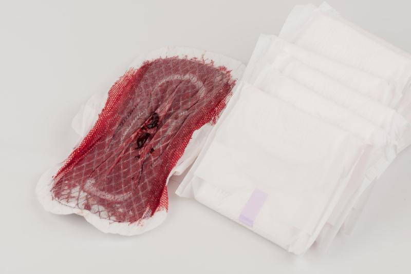 skrzepy podczas miesiączki
